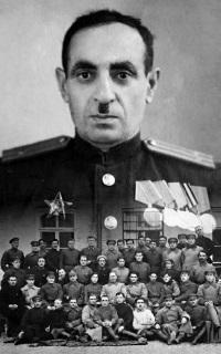 E.Krmoyan - 200